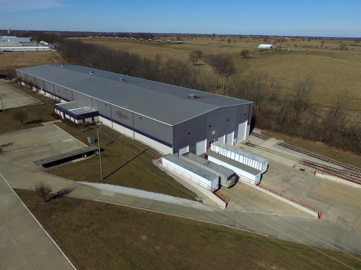 47,610%20SF%20facility%20on%204.6%20acres%20located%201%20mile%20from%20I-64.%20%20This%20building%20has%20two%2030-ton%20cranes%20with%20100%20ft%20clear%20span,%2029%20ft%20ceiling%20clearance%20and%20active%20rail%20spur%20that%20enters%20and%20exits%20the%20building%20through%20the%20back.%20%203%20dock%20level%20doors%20and%201%20drive-in%20door.%20%20For%20sale%20at%20$4,600,000%20or%20can%20be%20leased%20for%20$40,000%20per%20month