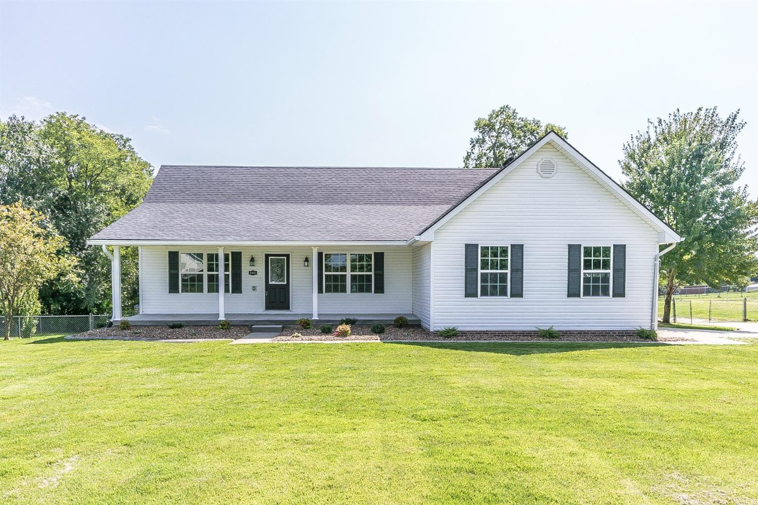 Home For Sale at 232 Elkmont Dr, Berea, KY 40403