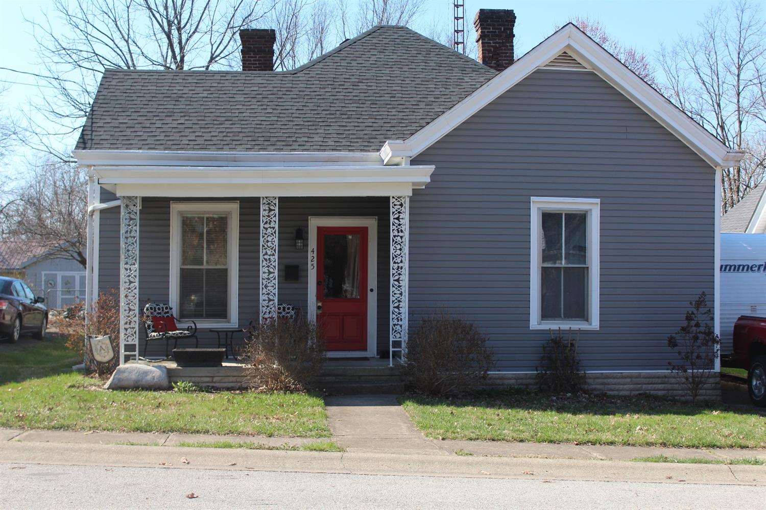 Home For Sale at 306 W Clinton St, Georgetown, KY 40324