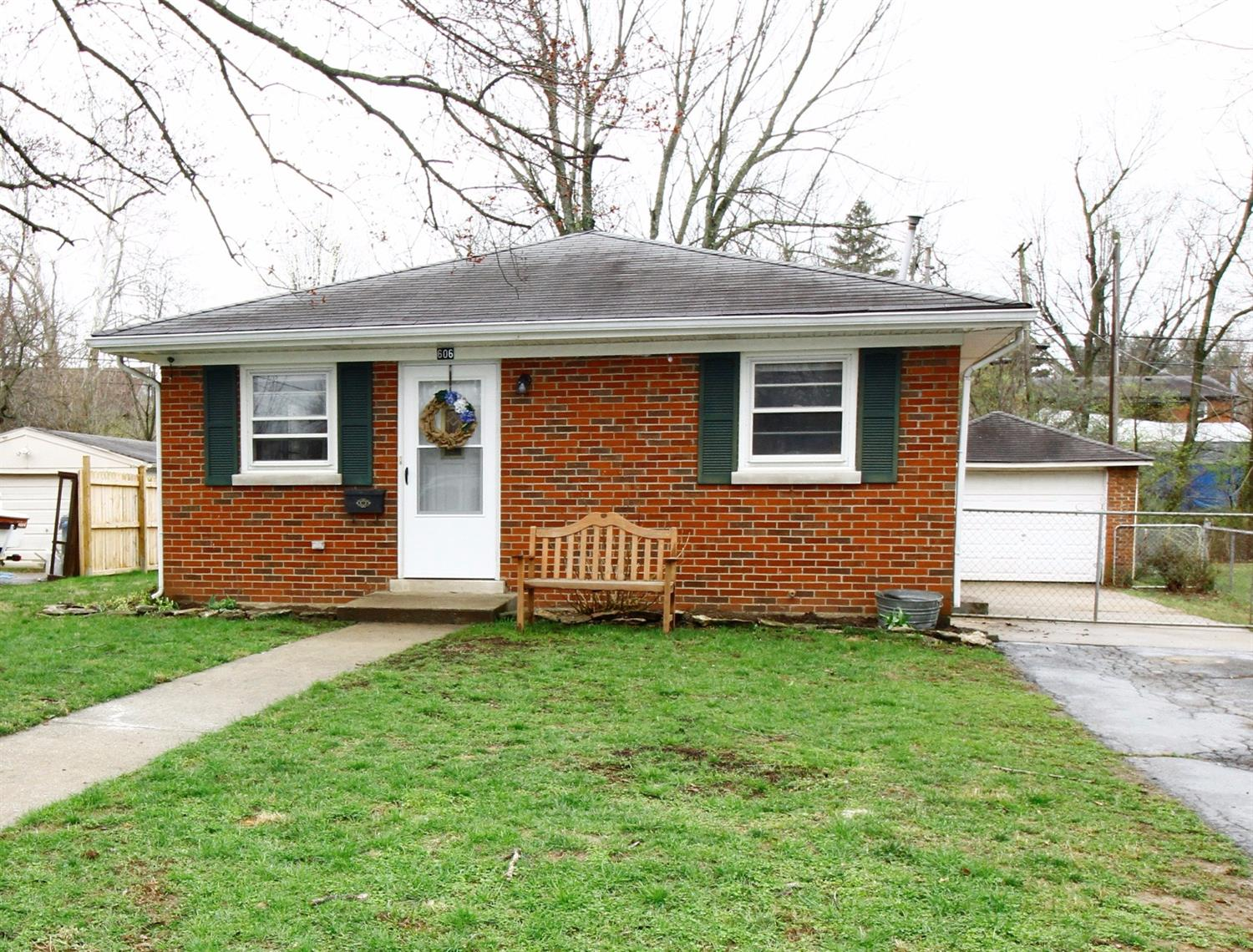 Home For Sale at 712 Zorn Ct, Lexington, KY 40505