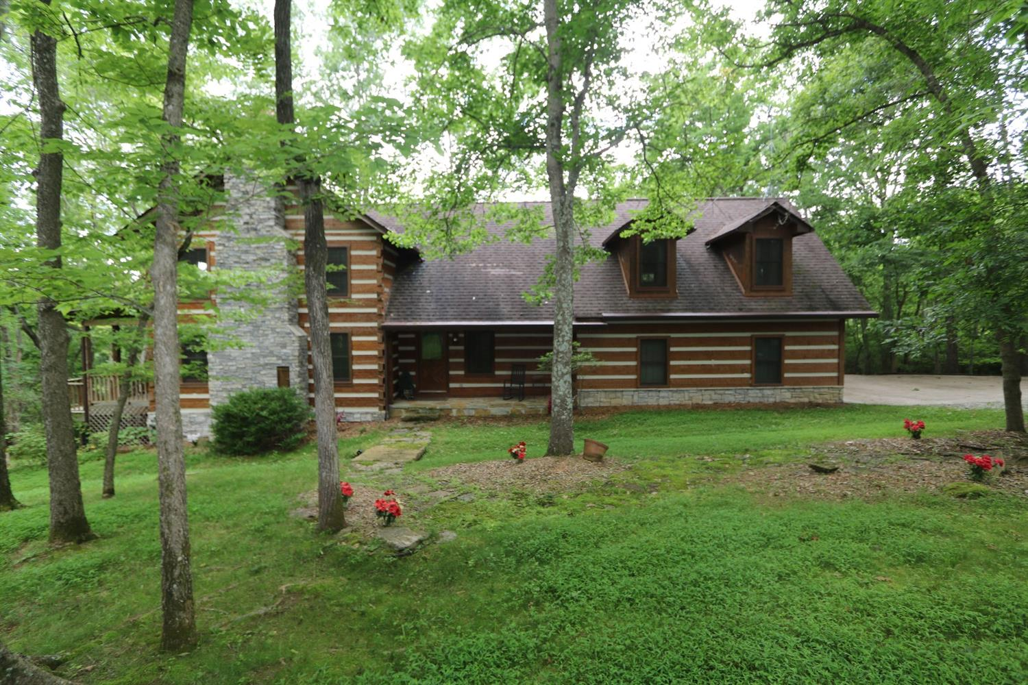 Home For Sale at 4105 Kentucky River Pkwy, Lexington, KY 40515
