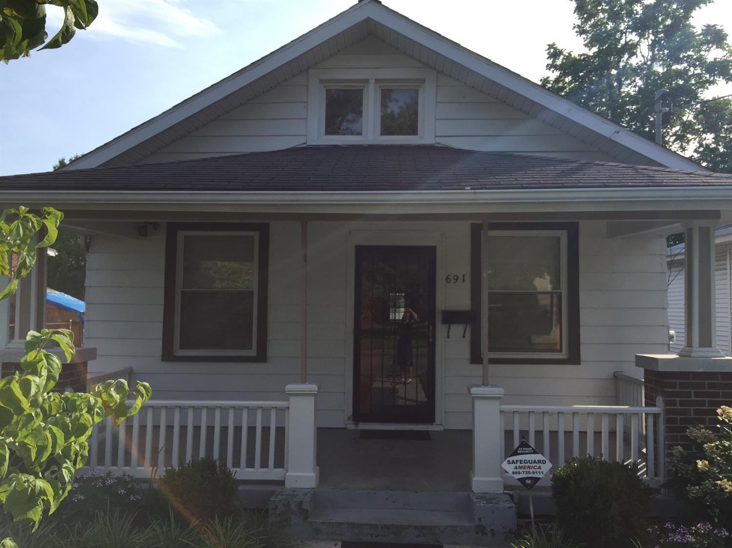 Beautifully%20updated%20and%20renovated%202%20bedroom,%201%20bath%20ranch%20home.%20%20Possible%203rd%20bedroom%20at%20back%20of%20house%20has%20closet%20space%20plus%20washer%20and%20dryer%20hook%20up.%20%20Partial%20unfinished%20basement%20and%201%20car%20detached%20garage.%20%20Per%20seller%20recent%20updates%20and%20renovations%20include%20furnace,%20air%20conditioning,%20water%20heater,%20completely%20updated%20bathroom%20and%20kitchen,%20laminate%20flooring%20as%20well%20as%20original%20hardwood,%20PEX%20plumbing,%20electric,%20LED%20lighting%20throughout,%20paint,%20electric%20garage%20door,%20double%20sheet%20rock%20drywall,%20and%20insulation.%20%20Centrally%20located%20in%20Lexington%20with%20easy%20access%20to%20downtown,%20New%20Circle%20Road,%20and%20Interstate%2075/64,%20Frankfort,%20Georgetown,%20and%20Toyota.%20%20Perfect%20for%20first%20time%20home%20buyer%20and/or%20Toyota%20employee.%20%203%%20Down%20Payment%20Assistance,%20up%20to%20$3,600%20is%20available%20for%20this%20home%20through%20Fifth%20Third%20Bank.%20%20Please%20contact%20Rick%20Davies%20at%20629-3885%20for%20specific%20details.