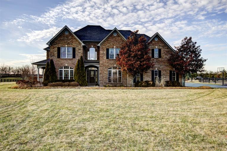 Property for sale at 4895%20Buggy%20Ln,%20Lexington,%20KY%2040516