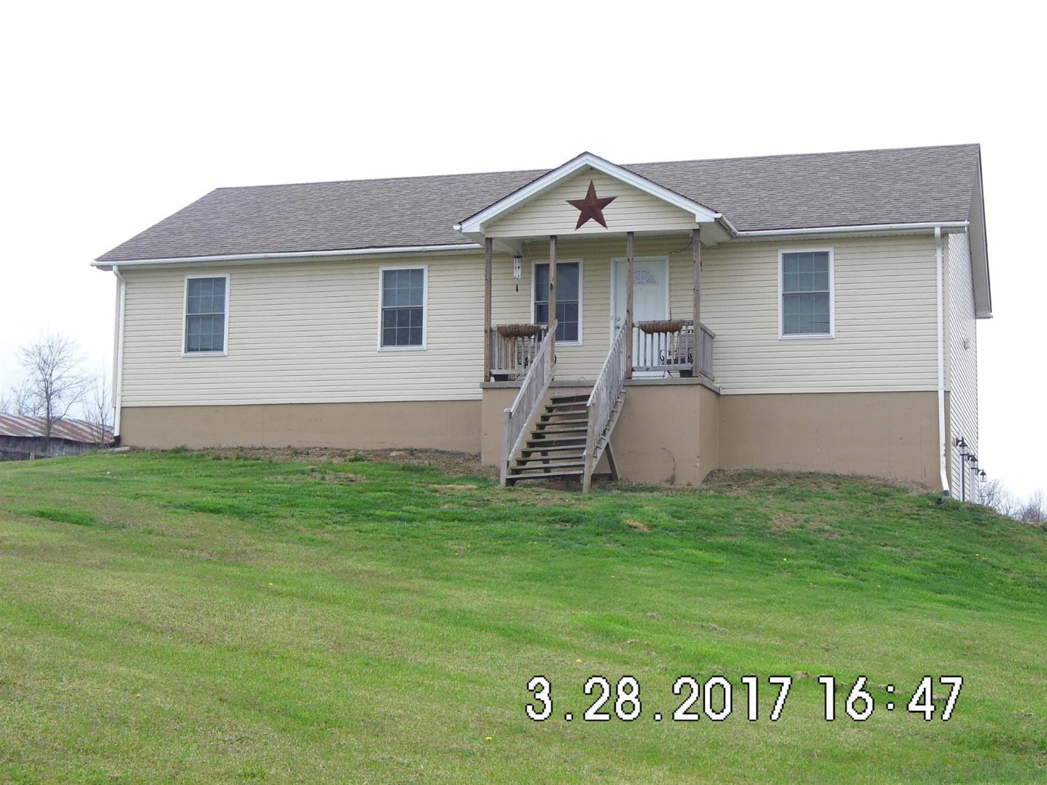 1977%20Quirks%20Run%20Rd.%20Danville%20KY.%20%20LOCATION,%20LOCATION,%20LOCATION!%20%20Nice%203%20bed%202%20bath%20home%20over%20a%20full%20unfinished%20basement%20situated%20on%20almost%204%20acres.%20Boyle%20County%20schools.%20%20Built%20in%202007.%20%20Home%20is%20being%20sold%20AS-IS.%20%2024%20hour%20notice%20required%20for%20showing%20appointment.