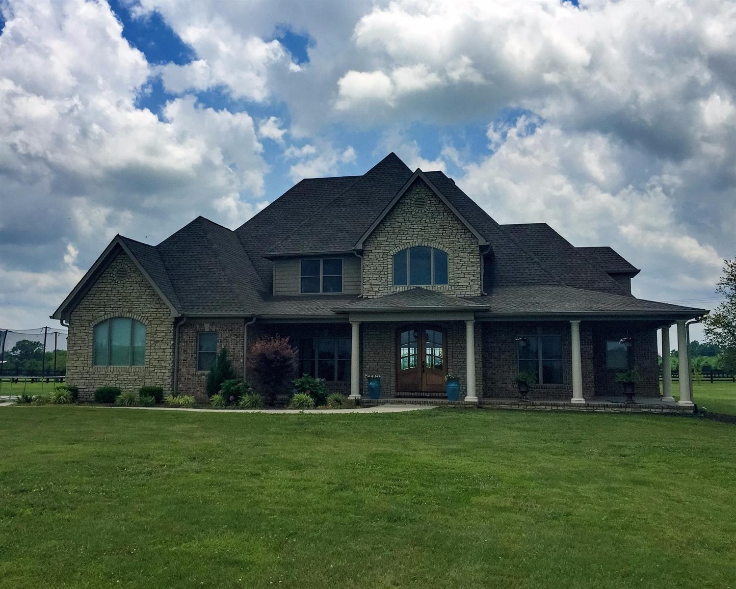 2819 Combs Ferry, Winchester, KY 40391