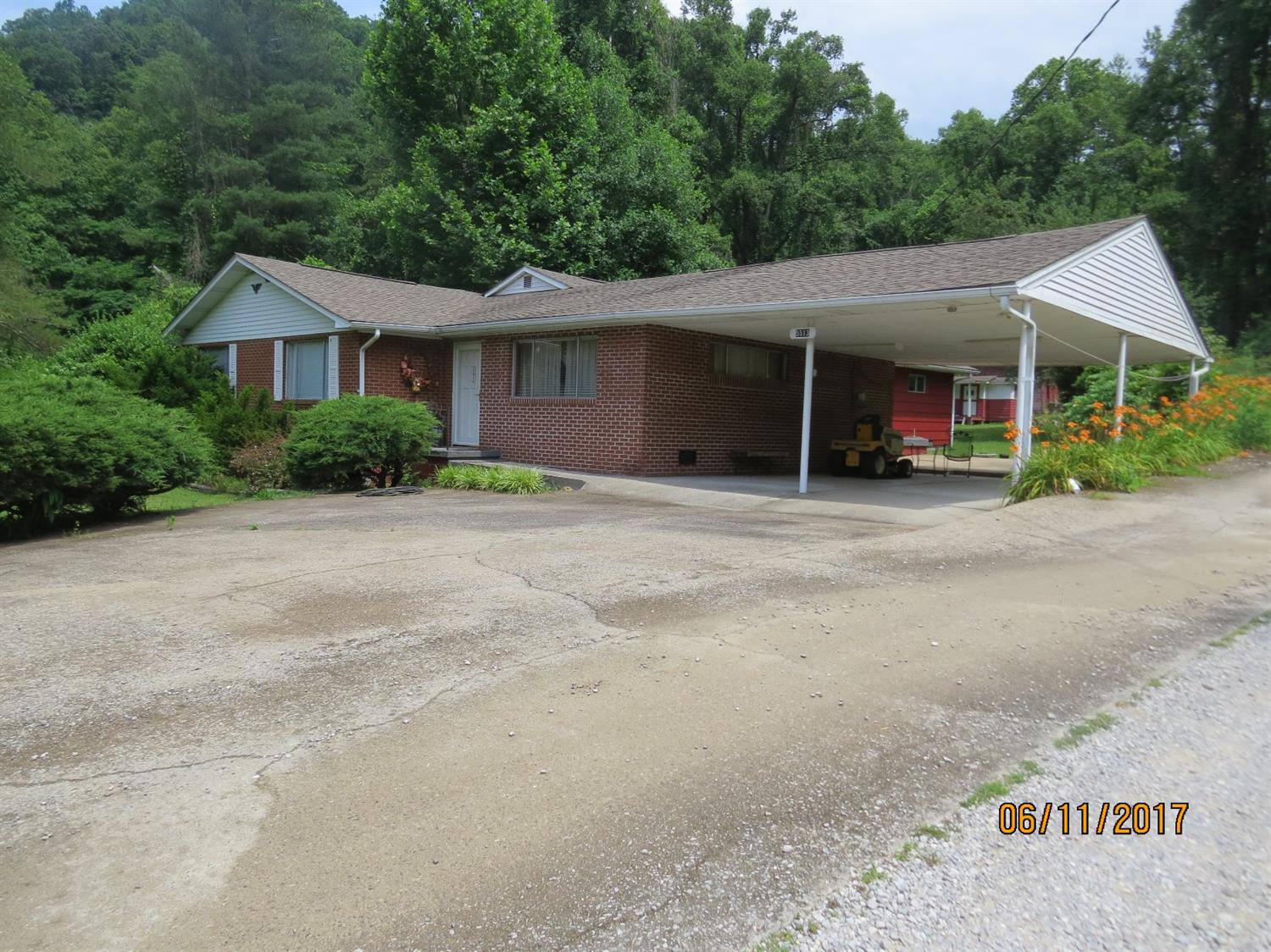 5513 SOUTH US HIGHWAY 421, HARLAN, KY 40831