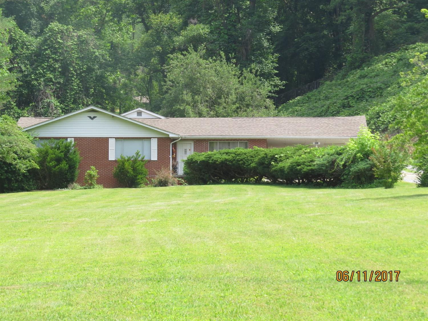 5513 SOUTH US HIGHWAY 421, HARLAN, KY 40831  Photo 4