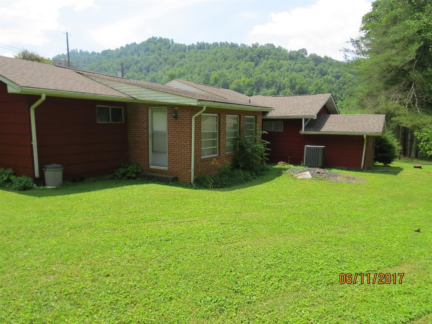 5513 SOUTH US HIGHWAY 421, HARLAN, KY 40831  Photo 44