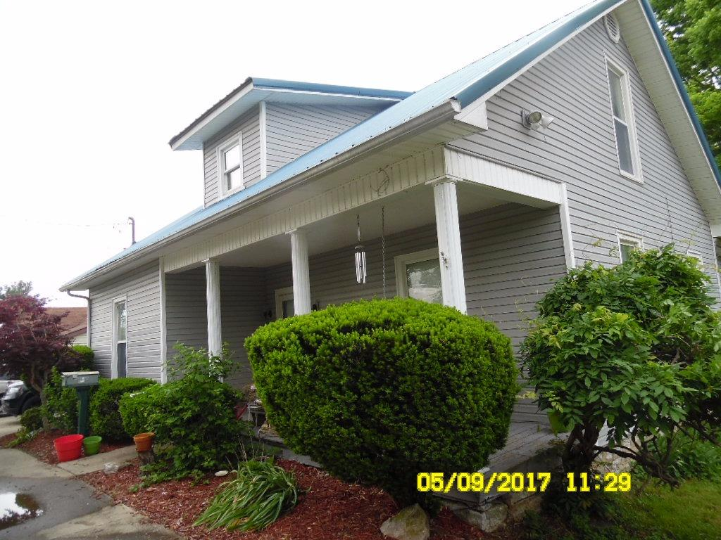 age%20is%20unknown%20%20great%20house%20with%20nearly%20no%20maintenance%20%20vinyl%20covered%20%20%20%20RETIREE-%20%20great%20fishing%20area%20%20%20Elkhorn%20Creek%20borders%20in%20back(Note:%20not%20listed%20in%20flood%20plain)great%20deck%20and%20fenced%20back%20yard%20%20enjoy%20%20enjoy