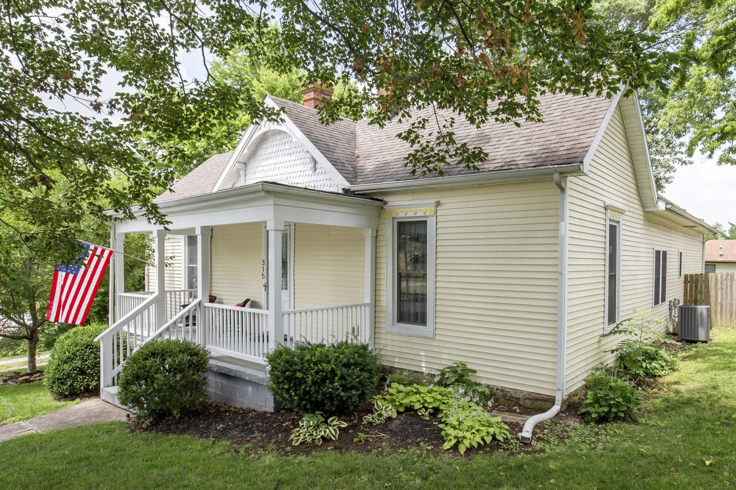315 N Winter Street, Midway, KY 40347
