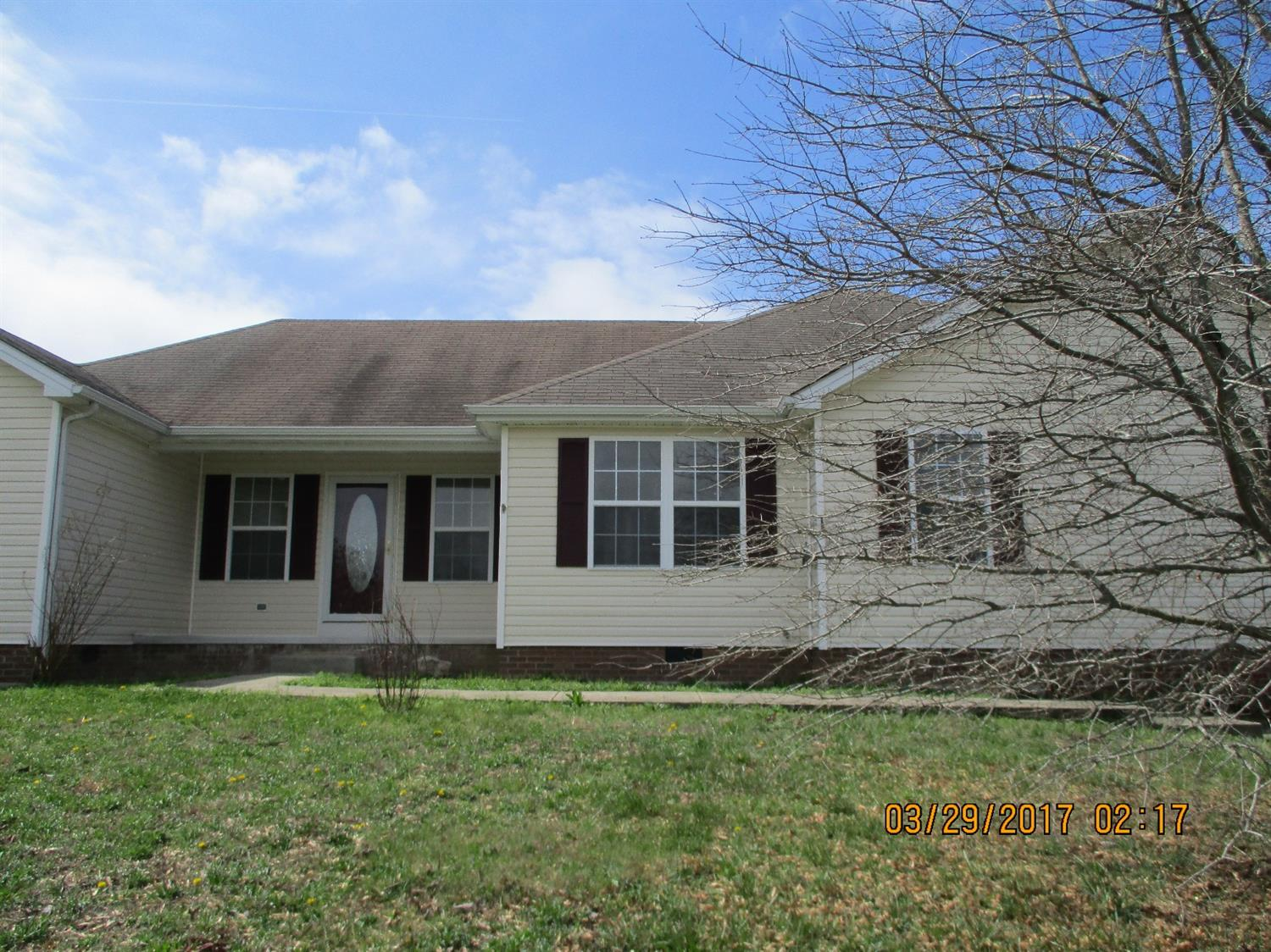 Home For Sale at 447 S Dogwood Dr, Berea, KY 40403