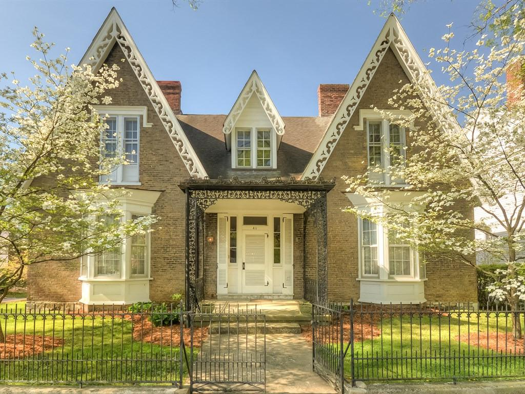 411%20Wapping%20St%20Frankfort,%20KY%2040601-2641
