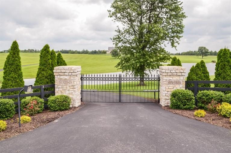 StoneHaven%20Farm,%20a%20beautiful,%20custom%20residence%20and%20114%20acres%20near%20Danville,%20Kentucky.%20This%20property%20and%20residence%20has%20been%20meticulously%20designed/built%20and%20completed%20in%20the%20last%205%20years.%20The%20exterior%20includes%20exceptional%20landscape%20design,%20(irrigated)%20paved%20roadways/circular%20drive%20and%20gorgeous%20views%20of%20the%20lake%20and%20surrounding%20farmland.%20The%20residence%20is%20of%20Southern%20Living%20Design%20with%20beautiful%20stone%20exterior%20and%20completed%20with%20superb%20finishes%20both%20inside%20and%20out,%20Interior%20features%20include,%20hardwood%20floors,%20stone%20fireplace,%20granite%20countertops%20in%20a%20wonderful%20family%20kitchen%20with%20top%20quality%20appliances,%20an%20open%20floor%20plan%20for%20entertaining,%20a%20attractive%20and%20well%20designed%20elegant%20first%20floor%20master%20suite,%20study%20or%20formal%20living%20room%20with%20fireplace...and%20the%20list%20goes%20on!%20The%202nd%20floor%20consists%20of%204%20bedrooms,%203%20baths,%20all%20well%20appointed.%20Other%20amenities%20include%20a%20full%20basement,%20large%20utility%20rm,%20oversize%203%20car%20garage%20and%20more.%20Other%20features%20include%20a%20open%20span%20equipment%20bldg.%20Co-listed.