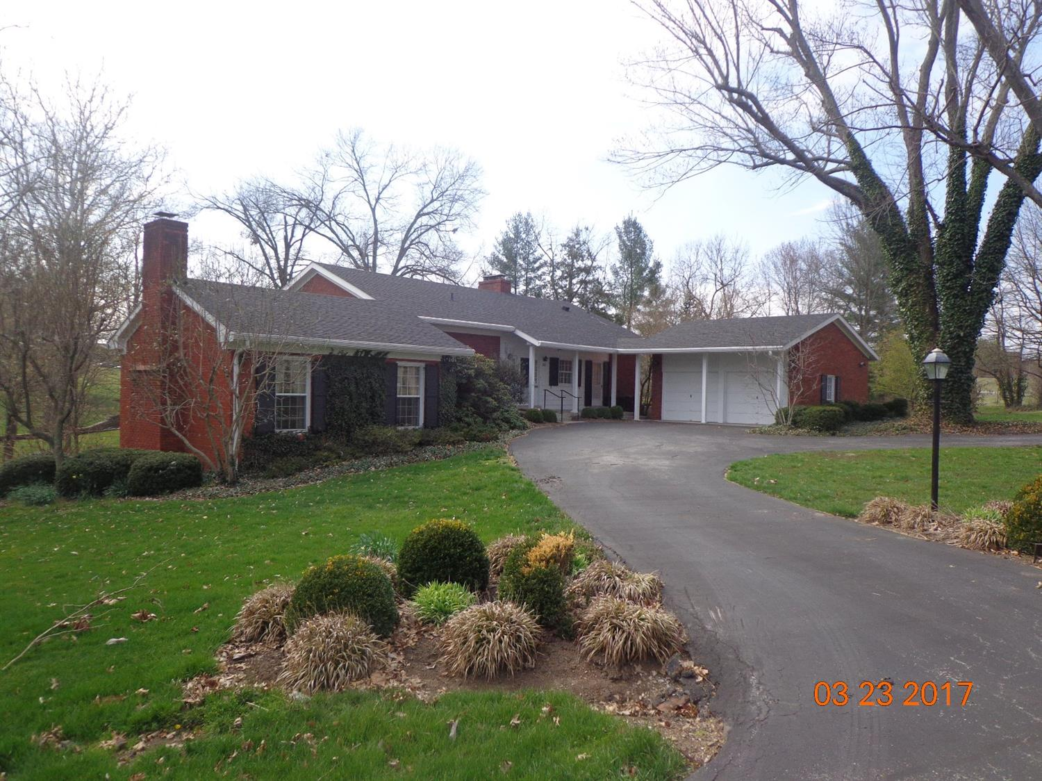 Great%20one%20owner%20home%20in%20Bon%20Air%20Hills%20off%20Country%20Lane%20on%20beautiful%20lot!%20This%20all%20brick%20home%20features%203%20bedrooms,%202%20full%20baths,%20living%20room,%20dining%20room,%20walkout%20basement,3%20fireplace,%202%20car%20attached%20garage,%20and%20large%202%20story%20porch%20overlooking%20back%20yard!