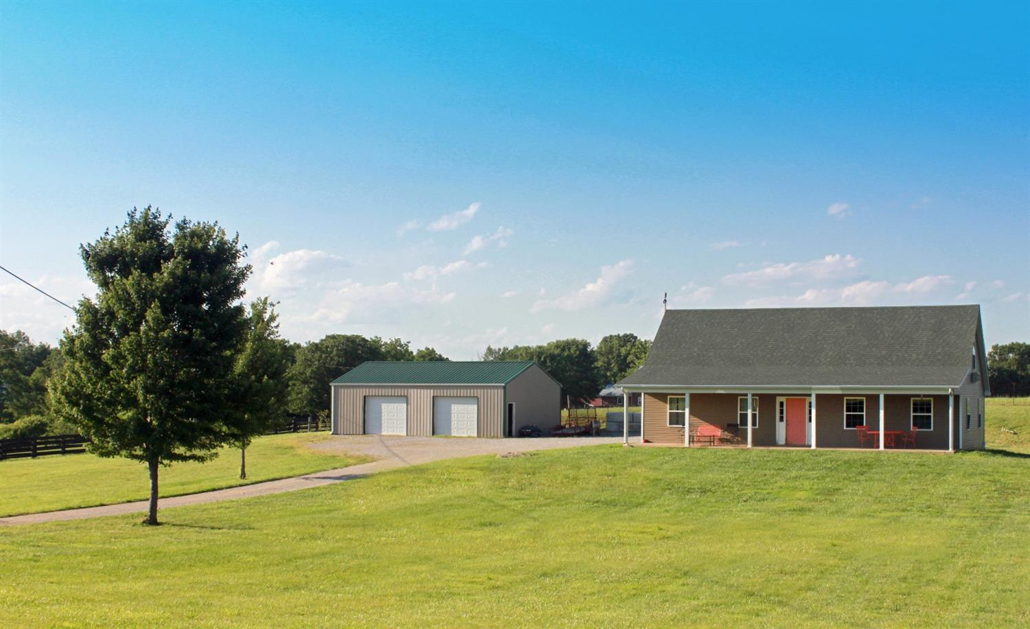 Wonderful%20home%20with%20direct%20access%20to%20Salt%20River%20on%20a%20beautiful%205%20acre%20lot!%20Home%20offers%20an%20updated%20kitchen%20and%20hardwood%20floors.%20Central%20heat%20and%20air.%20Large%20country%20covered%20front%20porch%20and%20amazing%20views%20of%20the%20river.%20Private%20river%20access%20and%20large%20detached%20garage%20with%20lots%20of%20room%20for%20storage.%20Clean%20yard%20and%20spacious%20lot.%20Large%20rooms%20with%20first%20floor%20master%20and%20laundry%20room.%20New%20vinyl%20siding%20and%20windows.%20Newly%20updated%20move%20in%20ready%20home!