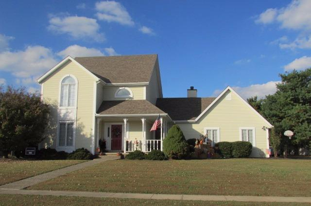 Move%20in%20ready%20%20%20%20Hugh%20back%20porch%20off%20kitchen%20and%20family%20room