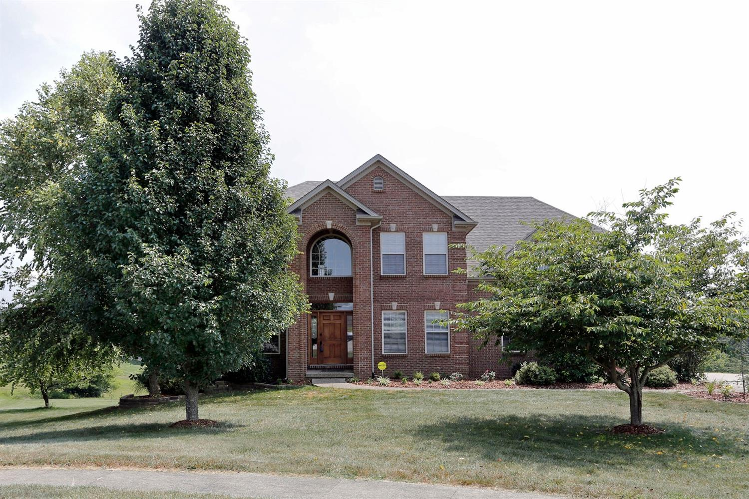 Beautiful%202%20story%205%20bedroom,%203.5%20bath%20home%20on%20a%20finished%20basement%20in%20the%20sought%20after%20gated%20Boone's%20Trace%20Golf%20community.%20%20The%20main%20level%20has%20a%20large%20open%20kitchen%20with%20lots%20of%20cabinets,%20counter%20space%20and%20a%20beautiful%20view.%20%20The%20great%20room%20boast%20built%20ins%20and%20a%20rock%20surround%20fireplace.%20A%20home%20office%20and%20dining%20room%20round%20out%20the%20main%20floor.%20%20The%20very%20large%20master%20is%20a%20perfect%20retreat%20at%20the%20end%20of%20a%20long%20day%20with%20double%20sinks,%20garden%20tub%20and%20huge%20closet%20you%20can't%20go%20wrong.%20%20The%20finished%20basement%20is%20perfect%20for%20quite%20nights,%20entertaining%20or%20guests.%20%20The%20large%20family%20room%20gives%20everyone%20plenty%20of%20elbow%20room.%20%20The%20gated%20community%20offers%20pool,%20tennis%20and%20basketball%20courts%20and%20clubhouse.%20You%20can't%20beat%20the%20location,%2015%20minutes%20to%20Lexington%20or%20Richmond.%20%20Don't%20wait,%20make%20the%20call.%20%20Let's%20Talk!