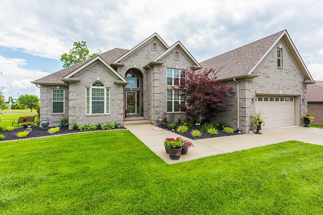 Home For Sale at 136 Central Park Ave, Berea, KY 40403