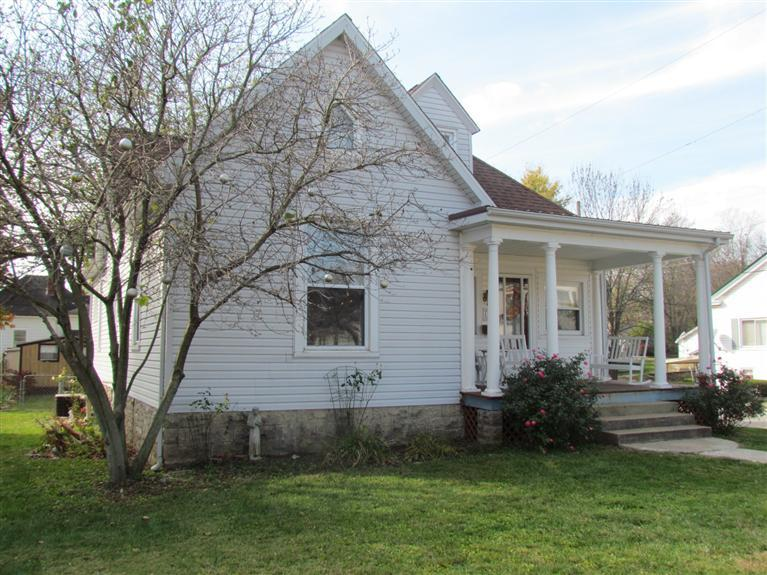 41 15th St Paris, KY 40361