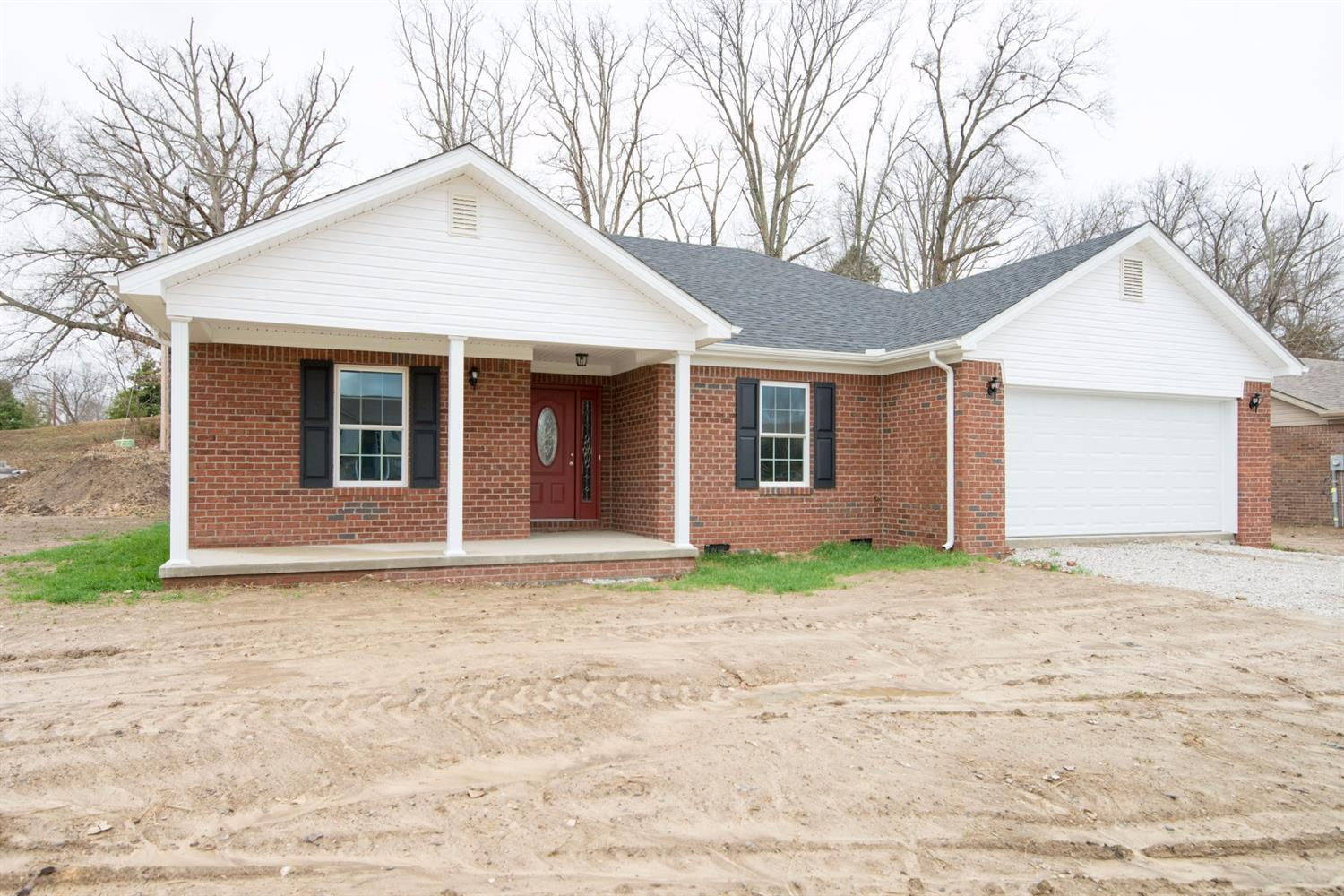 Home For Sale at 978 Scaffold Cane Rd, Berea, KY 40403