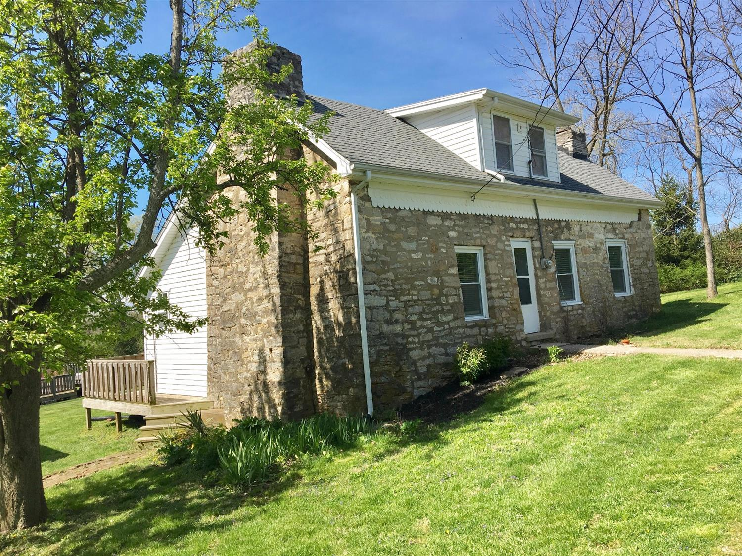 Home For Sale at 875 S Benson Rd, Frankfort, KY 40601