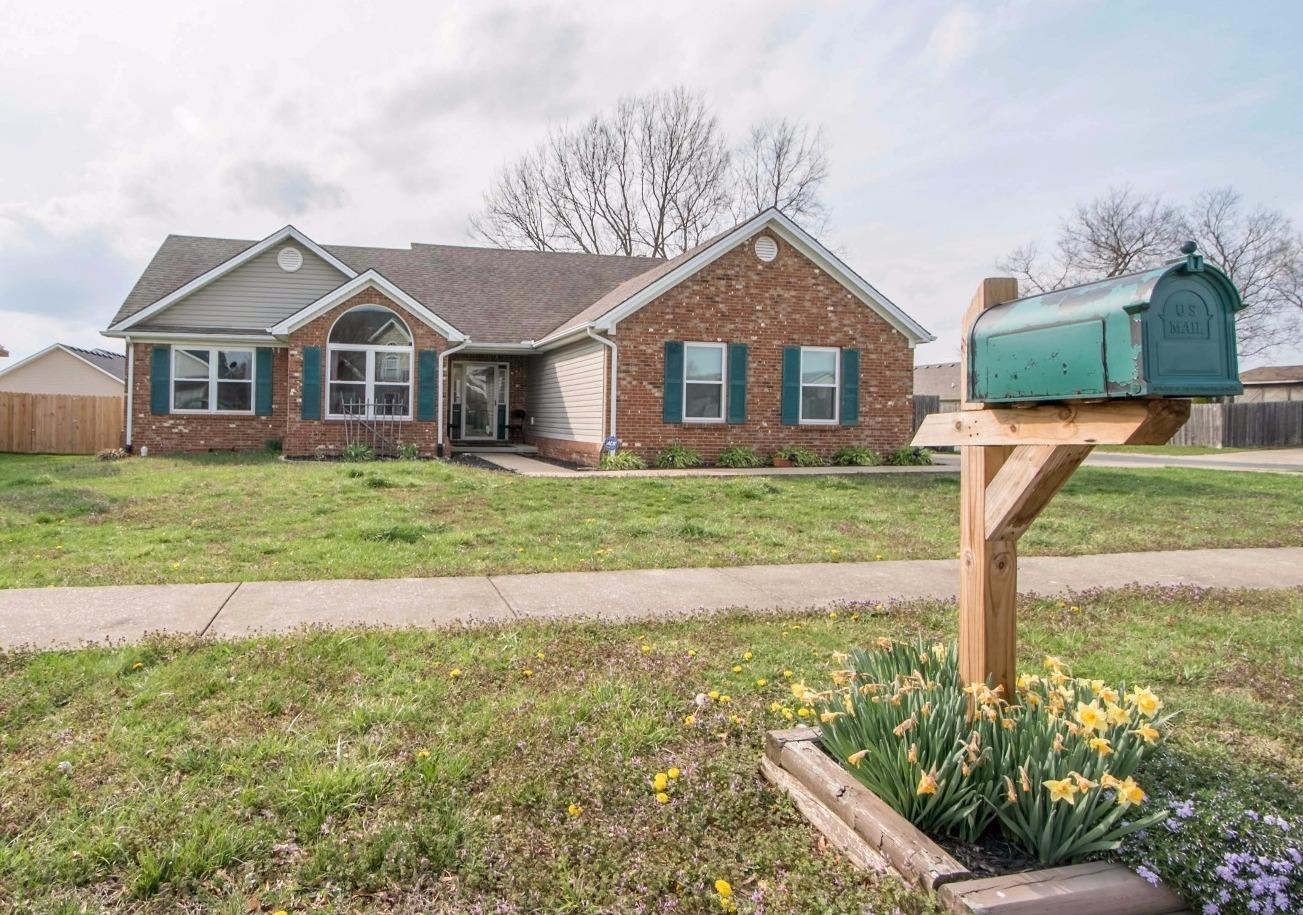 Home For Sale at 124 Montclair Ct, Georgetown, KY 40324