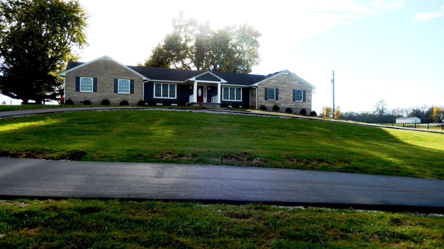 Property for sale at 3716%20Winchester%20Rd,%20Lexington,%20KY%2040509