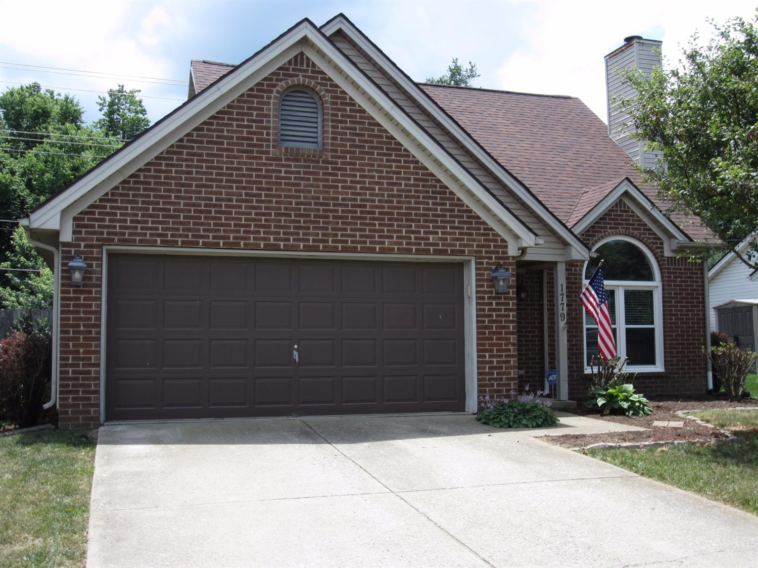 Home For Sale at 1188 Red Stone Dr, Lexington, KY 40509