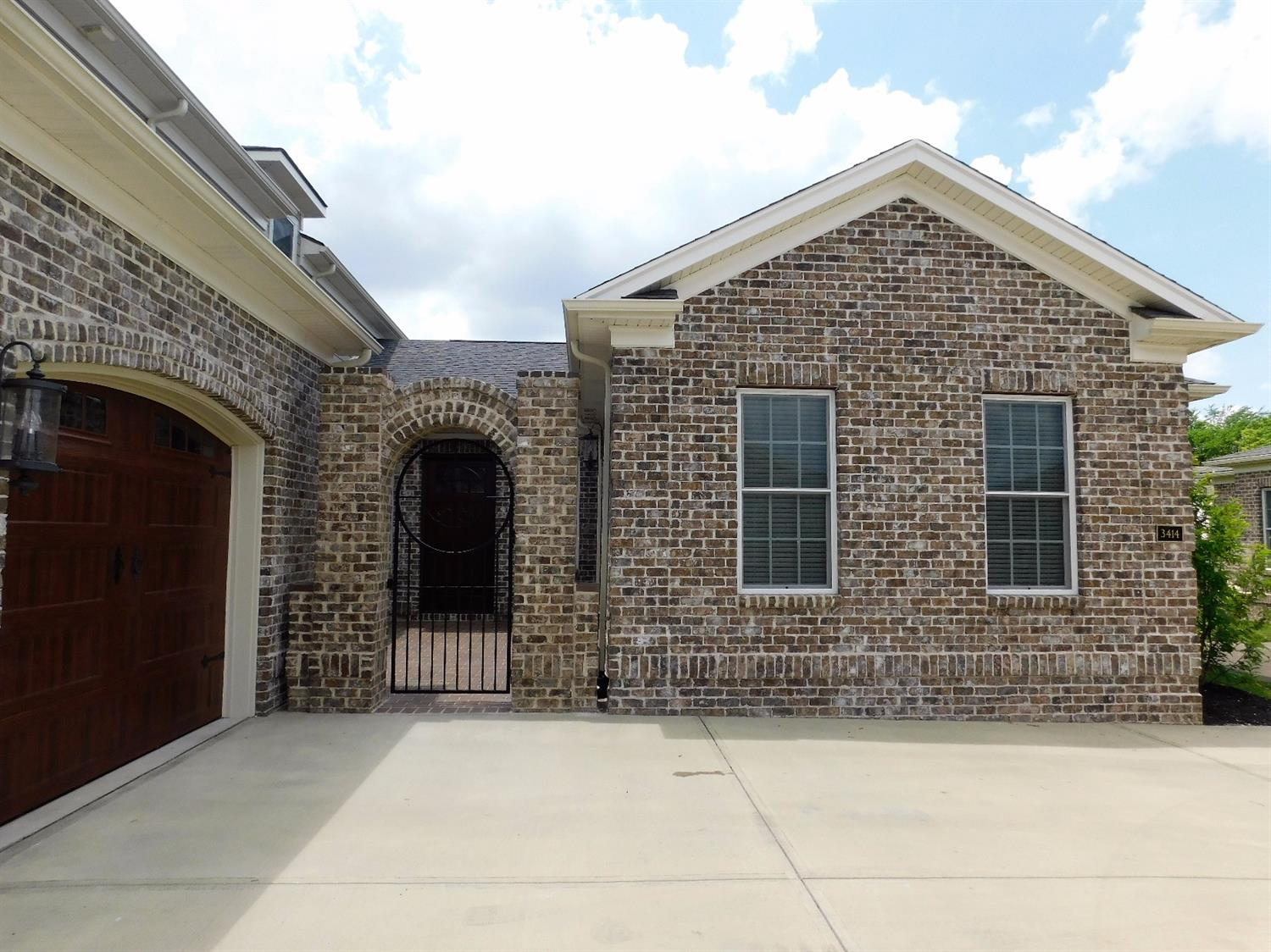 Home For Sale at 3414 Country Club Dr, Lexington, KY 40509