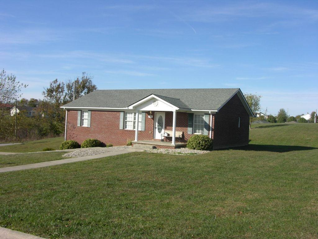 189 Thoroughbred Way, Berea, KY 40403