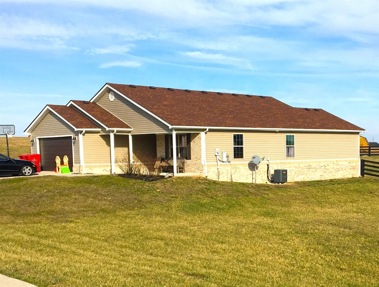 133 Crossing View Dr, Berea, KY 40403