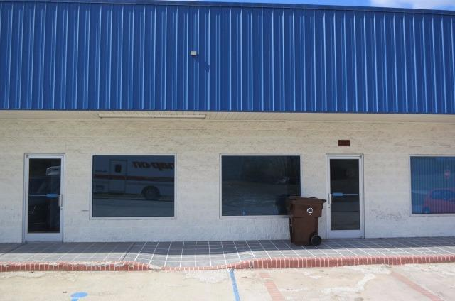 Great%20Business%20Condo%20perfect%20for%20retail,%20office%20or%20warehouse%20space.%20Located%20just%20off%20Lexington%20Ave.(US%2060)%20near%20I-64%20and%20the%20Winchester%20Bypass.%20Call%20today!!!