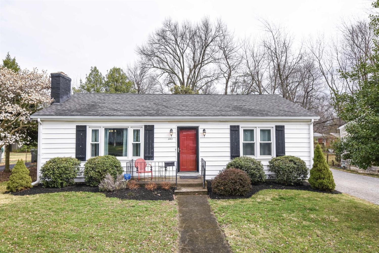 Home For Sale at 2304 Harrodsburg Rd, Lexington, KY 40503