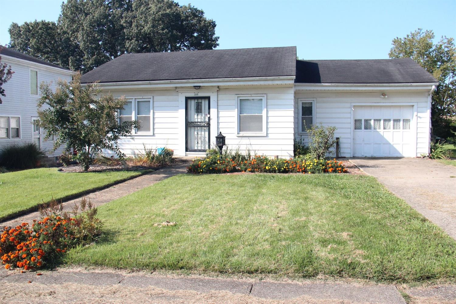Price%20Reduced%20%20$10,000!!%20OPEN%20HOUSE%202-4%20Sun.%2010/1/17%20Charming%20RANCH%20home%20located%20in%20very%20quiet%20well%20established%20neighborhood.%20%20One%20floor%20living%20at%20its%20best.%20%203%20ample%20sized%20bedrooms,%202%20FULL%20updated%20Baths,%20one%20in%20Master%20Suite.%20Large%20spacious%20Den%20provides%20extra%20living%20area,%20Huge%20kitchen%20designed%20for%20the%20cook%20with%20much%20storage,%20prep%20and%20serving%20space.%20Fresh%20paint,%20newly%20refinished%20Hardwood%20floors%20and%20new%20laminate%20flooring%20makes%20this%20home%20move%20in%20ready!%20%20Other%20features%20are%20a%20%20Separate%20laundry%20room,%20one%20car%20attached%20garage%20%20massive%20deck%20spans%20the%20width%20of%20the%20home%20and%20overlooking%20a%20private%20fully%20fenced%20back%20yard%20with%20many%20low%20maintenance%20flowering%20trees%20and%20perennials.%20Large%20storage%20shed%20wired%20with%20electricity%20is%20perfect%20for%20the%20Do-it-Yourself%20kinda%20person!%20Don't%20miss%20this%20jewel%20of%20a%20home,%20Schedule%20your%20tour%20today!