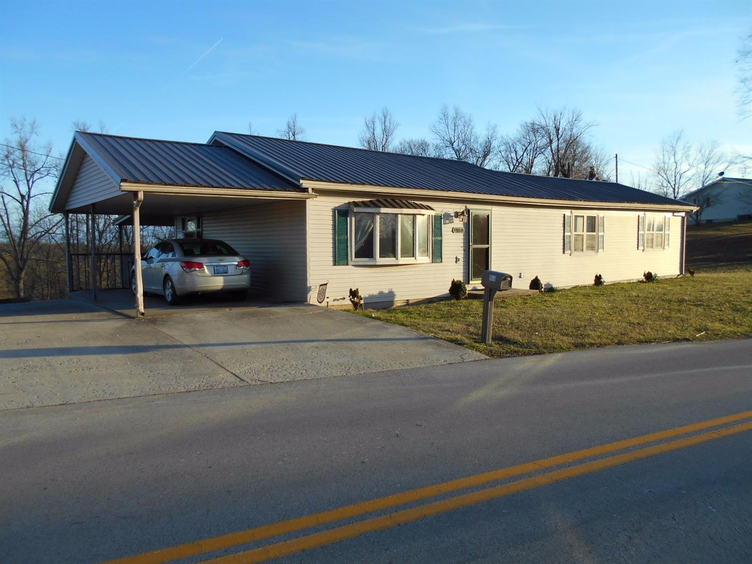 1058 Tarr Ridge Road, Frenchburg, KY 40322