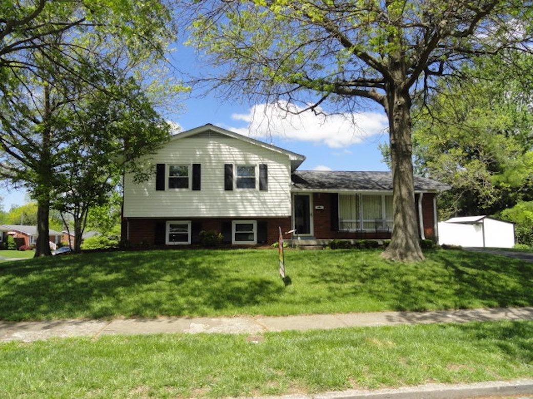 Home For Sale at 2152 Cypress Dr, Lexington, KY 40504