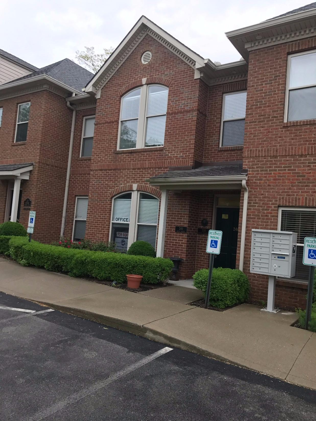80 Codell 130, Lexington, KY 40509