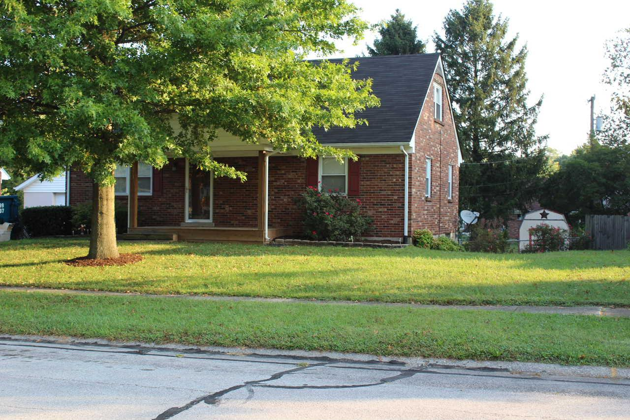 Absolutely%20adorable%20home%20in%20Monticello%20neighborhood!%20%201%201/2%20story%20with%201800%20square%20feet,%20four%20bedrooms%20and%202%20full%20baths.%20Partially%20finished%20basement%20with%20plenty%20of%20storage.%20%20large%20fenced%20yard.%20%20new%20interior%20paint,%20new%20kitchen%20flooring.%20%20Rear%20deck%20has%20been%20newly%20painted.