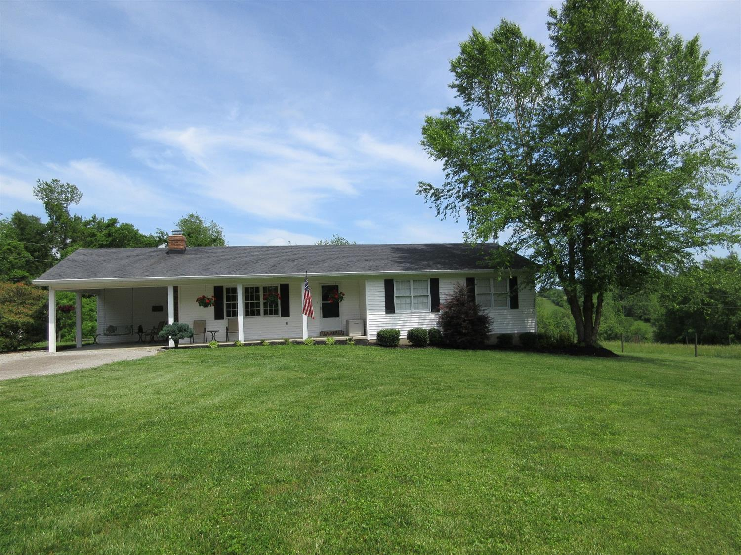 Home For Sale at 3209 Clintonville Rd, Winchester, KY 40391