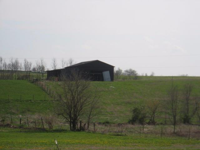 Beautiful%2023%20acre%20parcel%20close%20to%20town.%20%20Would%20make%20a%20great%20mini%20farm.%20%20Great%20view%20from%20top%20of%20the%20hill.%20%20Balls%20Branch%20creek%20runs%20thru%20the%20property.%20%20One%20large%20tobacco%20barn.
