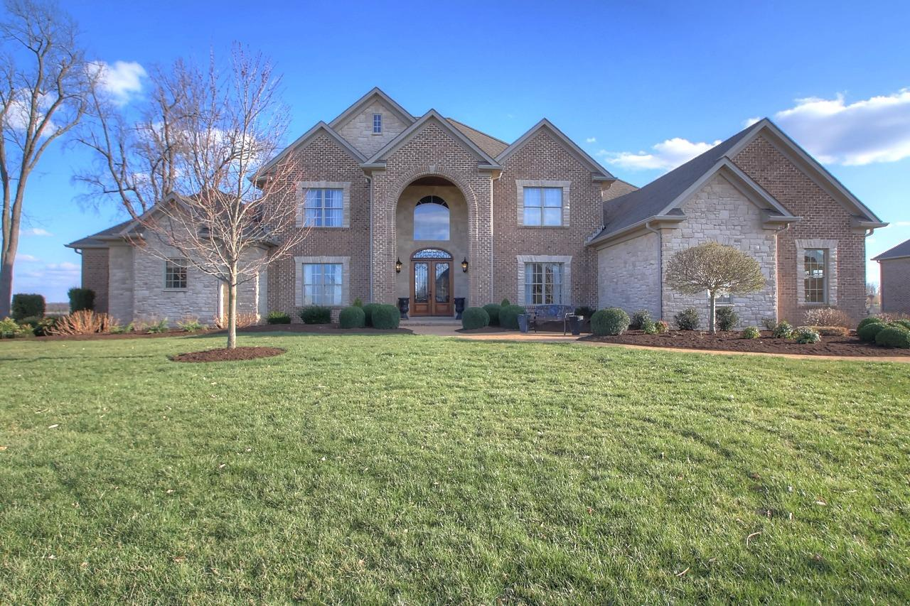 Home For Sale at 222 Keene Manor Cir, Nicholasville, KY 40356