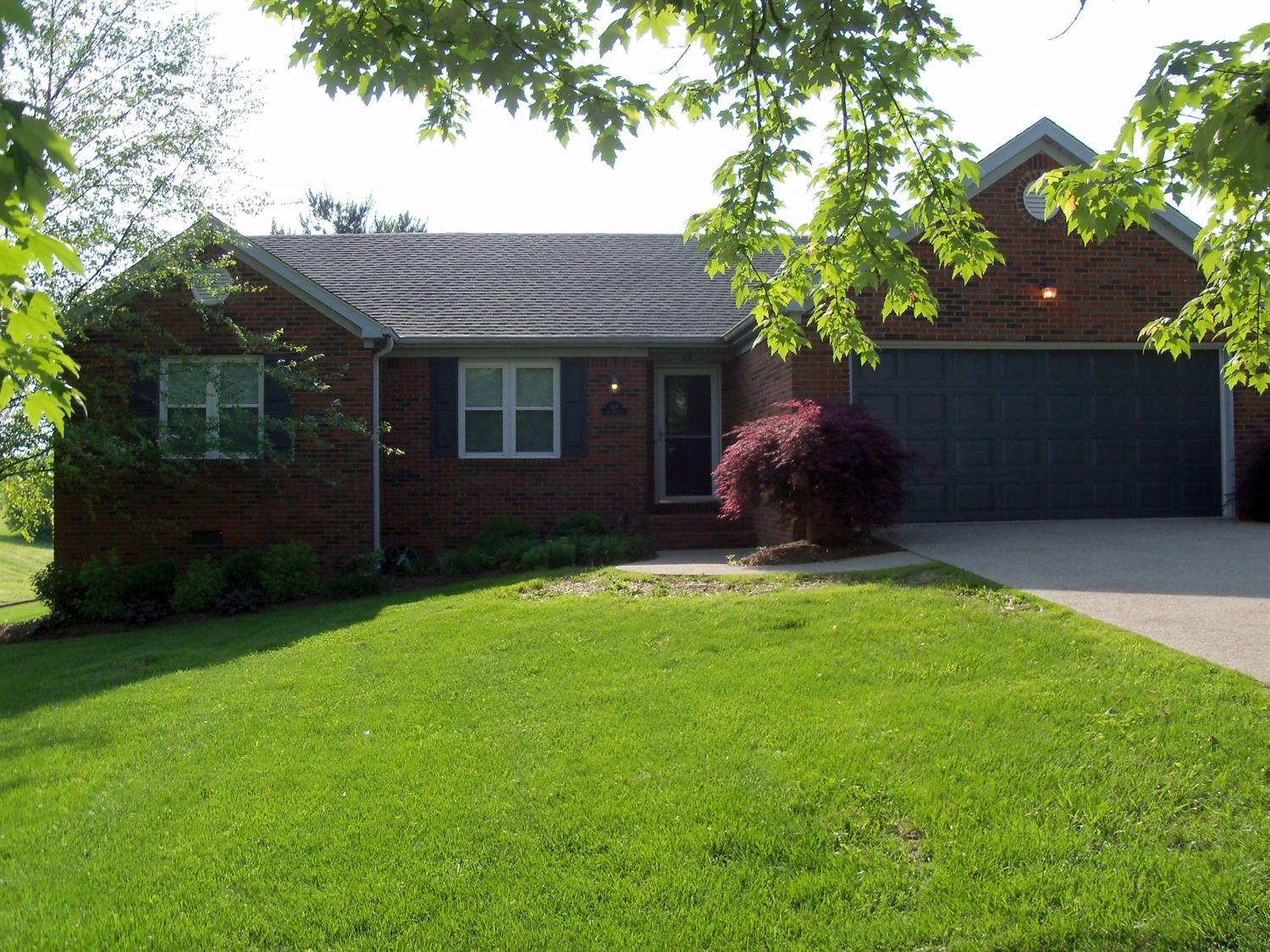Home For Sale at 973 E Count Fleet, Danville, KY 40422