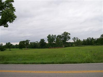 West%20on%20Hwy%2068(Harrodsburg%20Rd)%201/2%20mile%20past%20the%20Wilmore%20turn%20off(Hwy%201268).%20Property%20is%20on%20the%20right