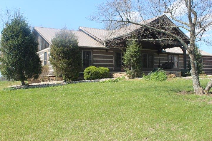 676 Quisenberry Ln, Winchester, KY 40391-8067