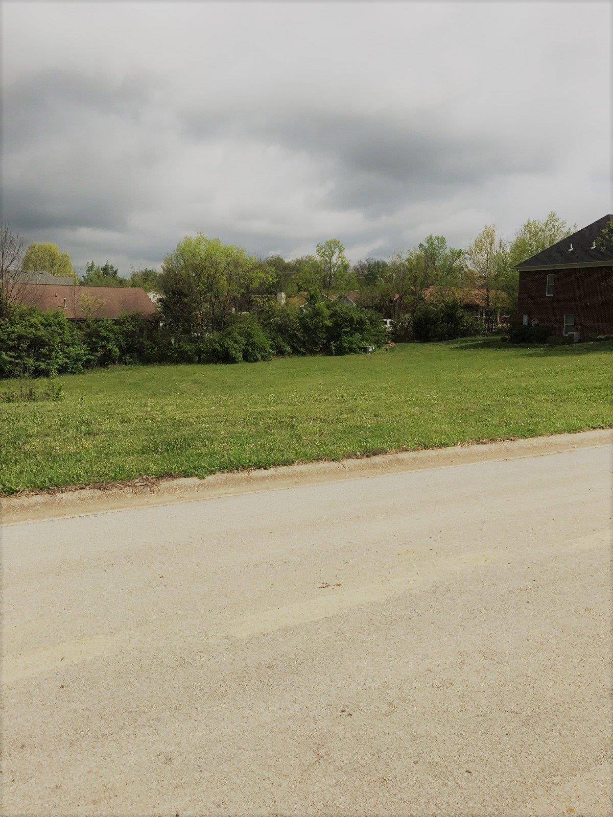 Property for sale at 301%20Twin%20Pines%20Ln%20Frankfort,%20KY%2040601