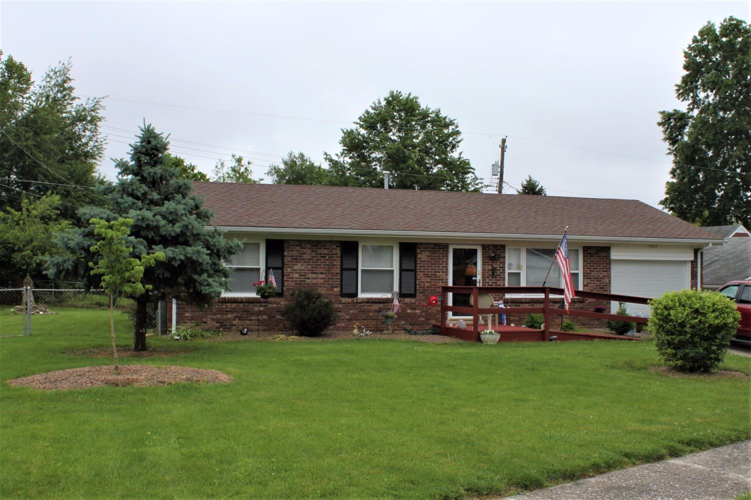 Home For Sale at 1805 Courtland Dr, Lexington, KY 40505-2310