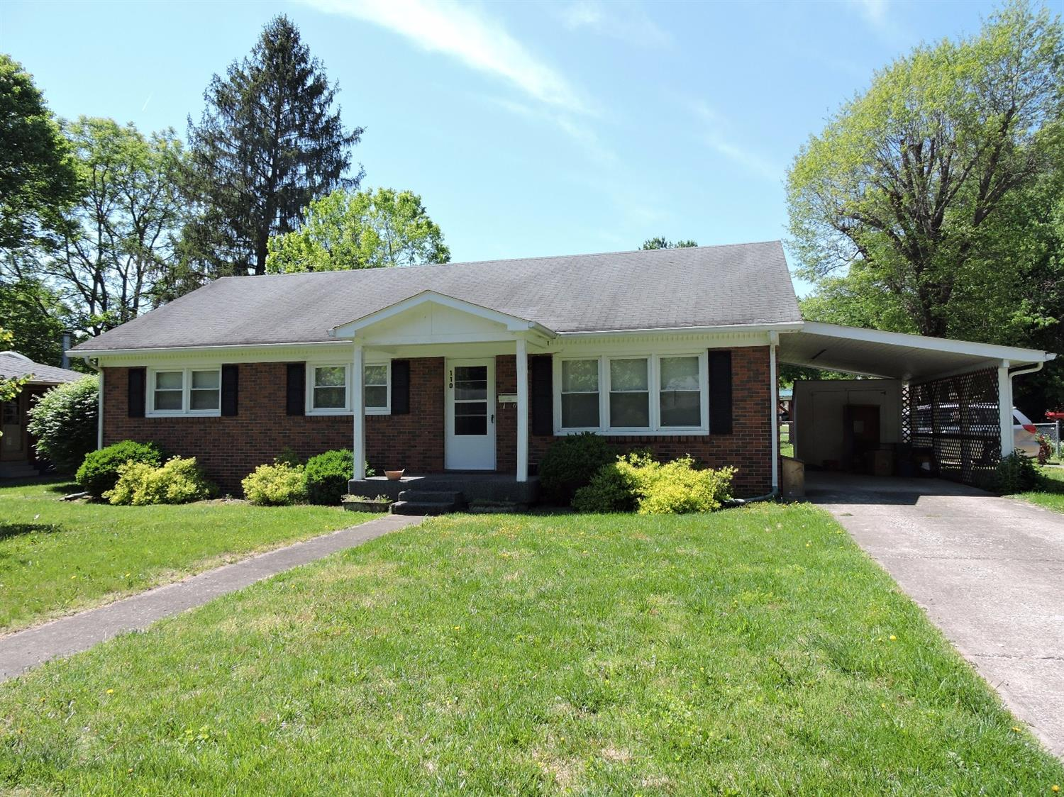 Home For Sale at 1749 N Richmond Rd, Berea, KY 40403