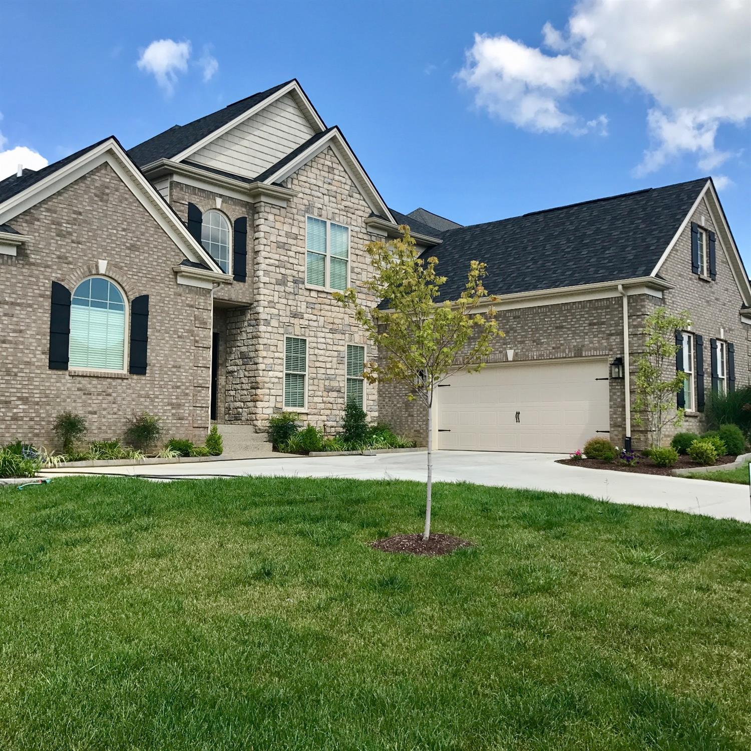488 Weston Park, Lexington, KY 40515