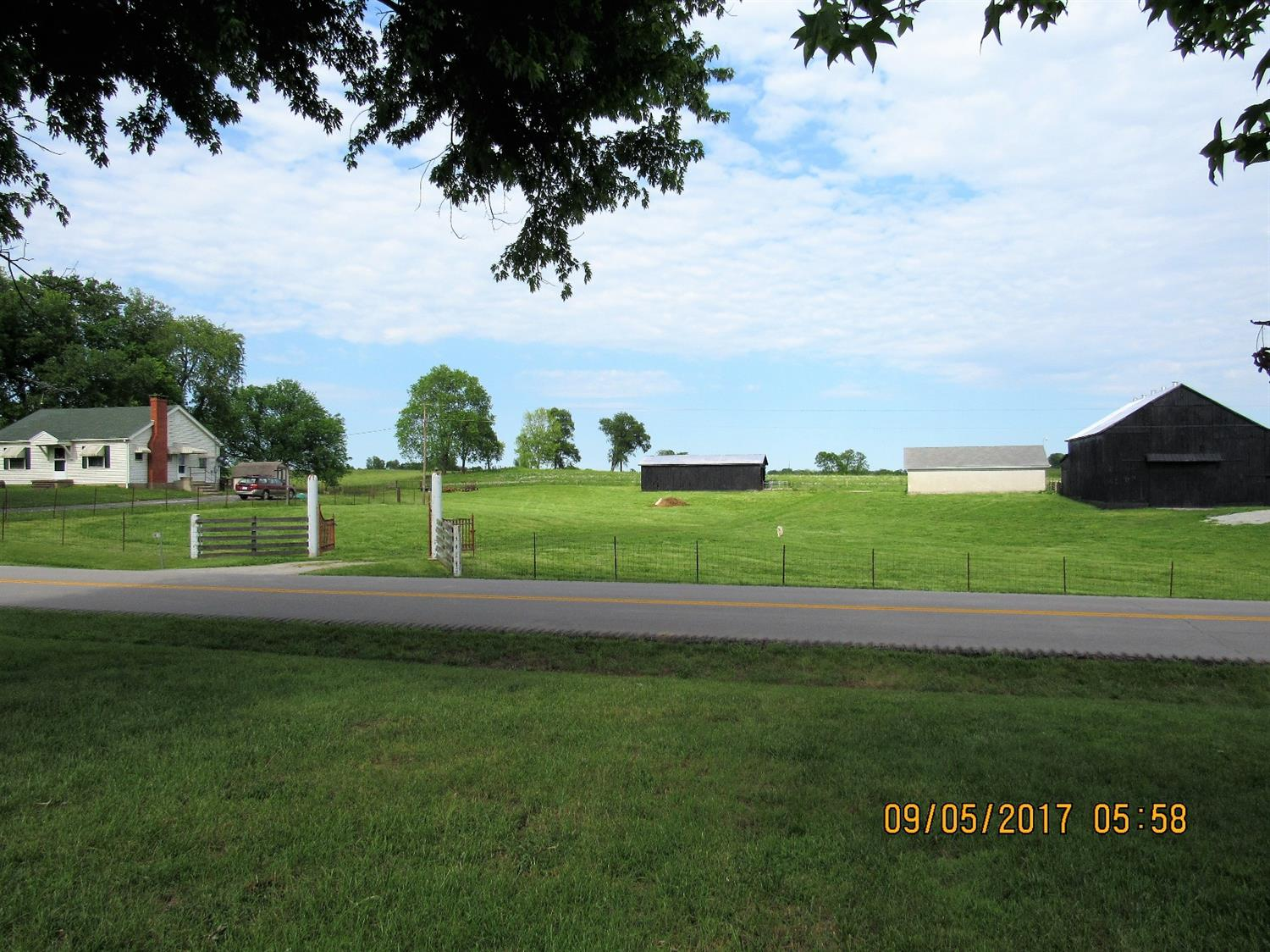 Farm%20-45+%20acres%20,%202%20bd%20tenant%20house%20w%20basement%20,%20barn%20that%20could%20be%20converted%20into%2018%20stall%20horse%20barn%20and%20approximately%20.3%20mile%20of%20road%20frontage.%20Beautiful%20building%20sites,%20utilities%20includes%20natural%20gas,%20city%20water%20&%20Elec.-%202%20wells,%20block%20shop,%20hay%20%20and%20run-in%20shed.%2017%20acres%20of%20Alfalfa%20Orchard%20Grass%20%20+%20approx27%20acres%20of%20pasture%20with%20shade%20trees-Good%20Fencing-%20Several%20In%20family%20conveyances%20per%20P%20&%20Z.%20Frankfort%20address%20but%20Woodford%20County%20Land.%20Property%20is%20being%20sold%20to%20Settle%20an%20Estate.