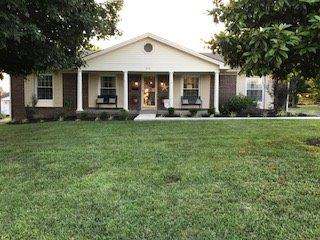 Three%20bedroom%20two%20bath%20brick%20home%20with%20enclosed%20sunroom%20in%20a%20well%20established%20quiet%20neighborhood.%20Stove,%20refrigerator,%20wooden%20outbuilding%20and%20security%20system%20stays%20with%20property.